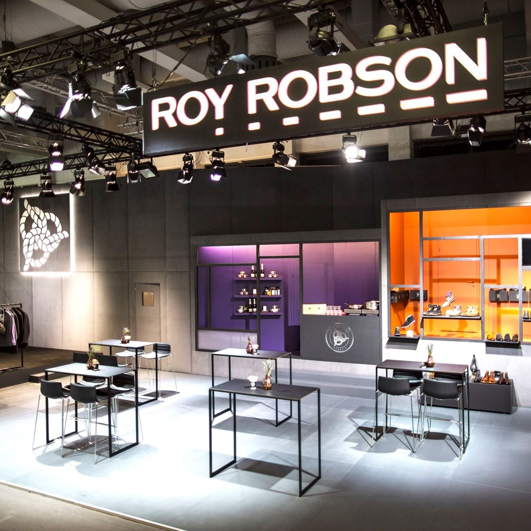 ROY ROBSON / PANORAMA